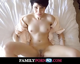 Fucked my stepsister in our parents bed-full hd video on familypornhd.com
